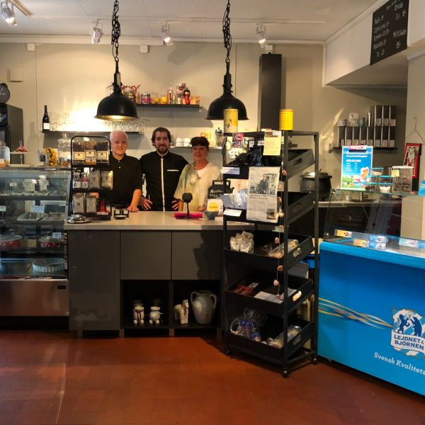 Lanna Bokcafe - Bakgrund